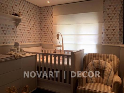 Papel de parede tons claros quarto de bebê